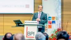 CDU-Arzneimittelexperte Michael Hennrich sprach auf dem gestrigen Unternehmertag des BPI nicht nur über Industriethemen, sondern streifte auch den Versandhandelskonflikt. (r / Foto: BPI/C.Kruppa)