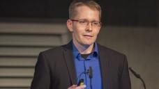"""Fachapotheker und """"Top beraten""""-Autor Christian Schulz stellte auf der INTERPHARM Apothekern Tipps für die   Beratung vor. (Foto: Alexander Schelbert)"""