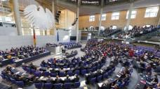 Üppige Nebeneinkünfte: Mindestens 18 Millionen Euro sollen die Bundestagsabgeordneten seit 2013 nebenbei eingenommen haben. Die Gesundheitspolitiker verhielten sich aber vergleichsweise zurückhaltend. (Foto: T. Truschel / Bundestag)