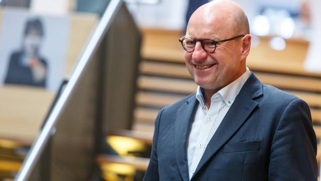 Münsters Oberbürgermeister Markus Lewe erklärt im Interview mit DAZ.online, warum es sich lohnt, sich für den Erhalt der Apotheke vor Ort einzusetzen. (b/Foto: imago)