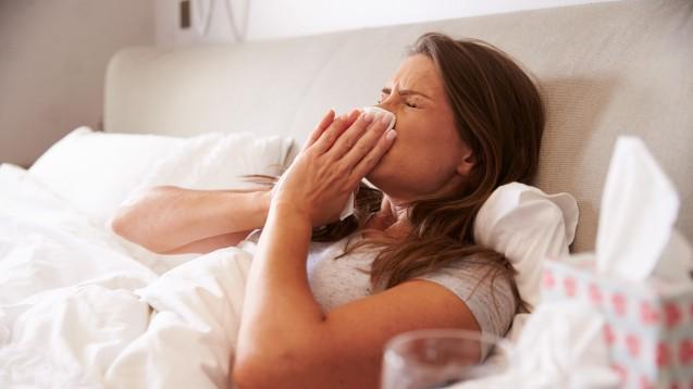 2015 waren mehr AOK-Versicherte wegen einer Erkältung krankgeschrieben als im Jahr davor. (Foto : Monkey Business / Fotolia)