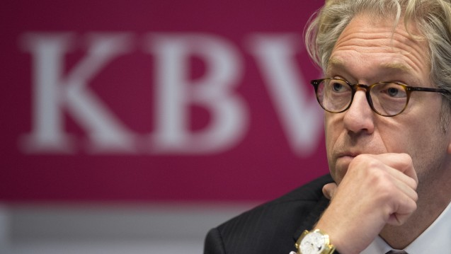 Neuer Ärger: Die KBV unter ihrem Chef Andreas Gassen fordert Ruhegeld von einer früherer Mitarbeiterin zurück. (Foto: dpa / picture alliance)