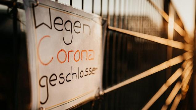 Eine Gruppe von Autoren, darunter Gerd Glaeske meinen in ihrem 7. Thesenpapier zur Corona-Pandemie, die Politik habe versäumt gut geschnittene Präventionsprogramme auf Herbst und Winter vorzubereiten. (Foto: Danny / stock.adobe.com)