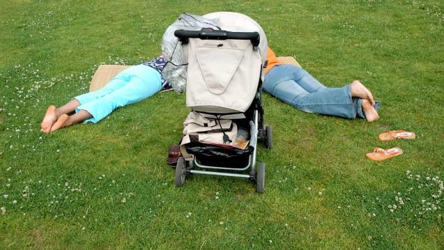 In der aktuellen AZ geht es auch um die Elternzeit. (Foto: imago images / Steinach)