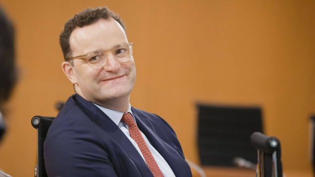 Bundesgesundheitsminister Jens Spahn (CDU) sollte aus der Sicht seines Parteikollegen Michael Hennrich der nächste CDU-Parteichef werden. (c / Foto: imago images / photothek)