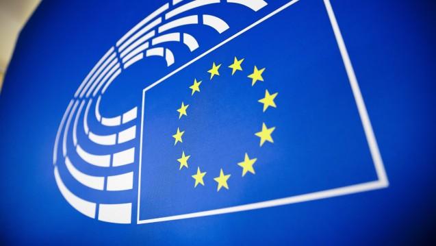 Nach Auffassung des EU-Parlaments soll die Bewertung des Zusatznutzens auf EU-Ebene vorgenommen werden, die Preisbildung weiterhin Sache der Mitgliedstaaten bleiben. Das BMG fordert, dass auf EU-Ebene kein Zusatznutzen bestimmt werden soll, sondern nur eine rein deskriptive Bewertung. (c / Foto: imago)