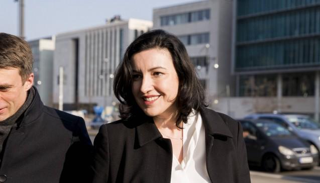 Dorothee Bär (39, CSU) erhält zwar kein richtiges Ministeramt, aber eine neue und wichtige Aufgabe: Sie wird Staatsministerin für Digitales im Kanzleramt. (Foto: Imago)