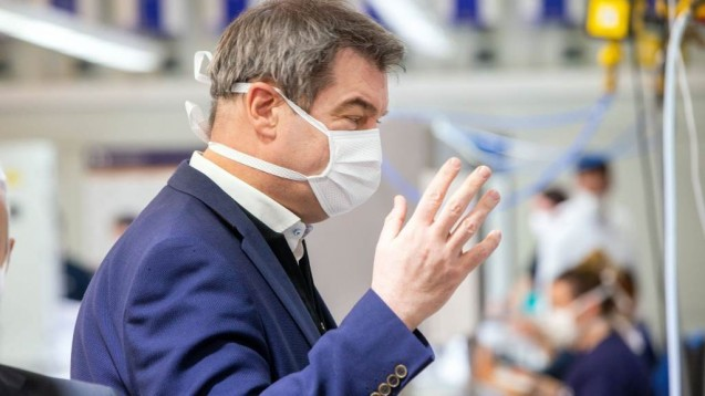 Bayerns Ministerpräsident Markus Söder rechnet mit einer Pflicht zum Tragen von Schutzmasken (s / Foto: imago images / Overstreet)