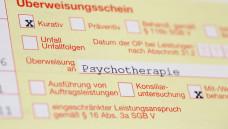 Einer Studie der Bundespsychotherapeutenkammer zufolge müssen GKV-Versicherte monatelang auf einen Psychotherapieplatz warten. (Foto: Imago)