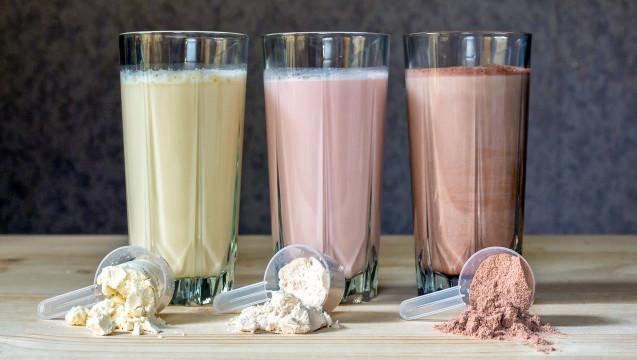Pulver mischen, fertig: Formuladiäten werden auch in der Apotheke oft nachgefragt. (Foto: korchemkin / stock.adobe.com)