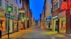 Leere Fußgängerzonen, aber volle Online-Marktplätze? Kann lokaler Online-Handel die Apotheken vor Ort stärken? (Foto: Imaginis / stock.adobe.com)