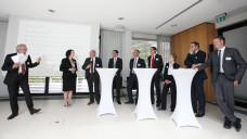 Experten diskutierten in Bonn zum Thema Switches: darunter DAV-Chef Fritz Becker (3. v. l.), Prof. Dr. Niels Eckstein von Hochschule Kaiserslautern (Mitte), Dr. Elmar Kroth vom (BAH; 4. v. r.); Prof. Dr. Karl Broich vom BfArM (2. v. r.) und Ökonom Prof. Dr. Uwe May (ganz rechts). (Foto: BAH)