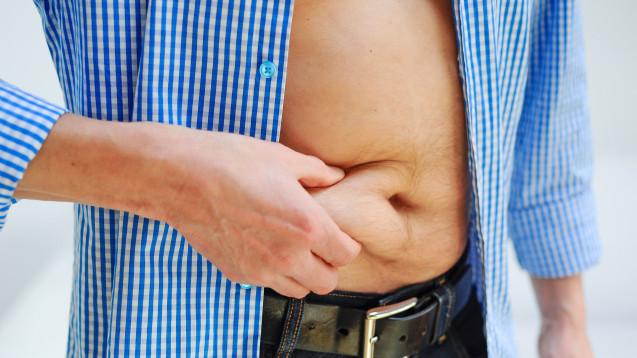 Bauchfett im Alter: Sind Makrophagen verantwortlich? (Foto: photophonie / stock.adobe)