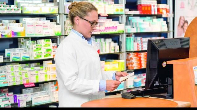 Höhere Lohnkosten: Apotheker und Großhändler können sich darauf einstellen, einiger ihrer Angestellten ab 2017 pro Stunde 34 Cent mehr zu zahlen. (Foto: DAZ)