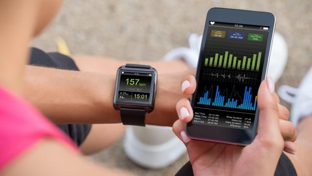 Health Apps und die dazugehörigen Wearables erfahren immer größere Akzeptanz. (Foto: Andrey Popov / stock.adobe.com)