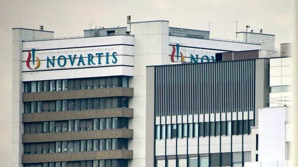Gegen den Pharmakonzern Novartis, hier das Firmengebäude am Sitz in Basel, ermittelt die US-Justiz - und nun auch das türkische Gesundheitsministerium. (Foto: dpa)