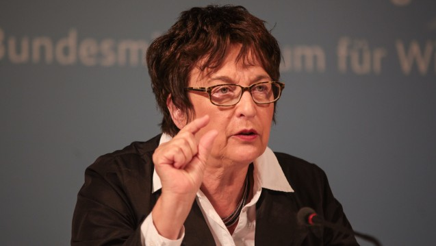 Bundeswirtschaftsministerin Brigitte Zypries zeigte sich von ihrem Besuch bei DocMorris sehr angetan. (Foto:picture alliance / Rolf Kremming)