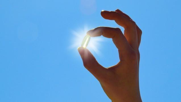 Gesunde brauchen keine Nahrungsergänzungsmittel, auch nicht mit Vitamin D, findet Ökotest. (s/ Foto: ExQuisine / stock.adobe.com)
