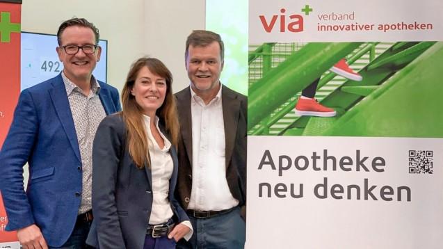 Drei der vier via-Vorstände. Von links nach rechts: Thomas Anthes (Vorsitzender), Dr. Ann-Katrin Gräfe-Bub (Stellv. Vorsitzende), Arndt Lauterbach (Schatzmeister). (c / Foto: via)