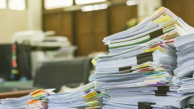 Der stellvertretende Vorsitzende des Landesapothekerverbands Rheinland-Pfalz, Peter Schreiber, hat angekündigt, die Arzneiversorgungsverträge in puncto Bürokratie ab sofort schärfer mit den Kostenträgern verhandeln zu wollen als zuvor. (Foto: notwaew / stock.adobe.com)