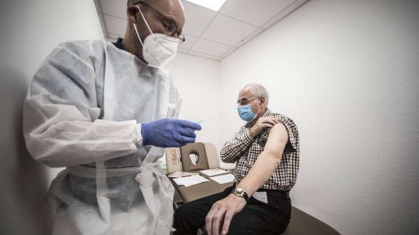 Lassen Sie sich gegen COVID-19 impfen?