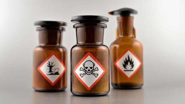 Für die Abgabe bestimmter Chemikalien ist ein Sachkundenachweis erforderlich. (r/Foto:betka82/stock.adobe.com)