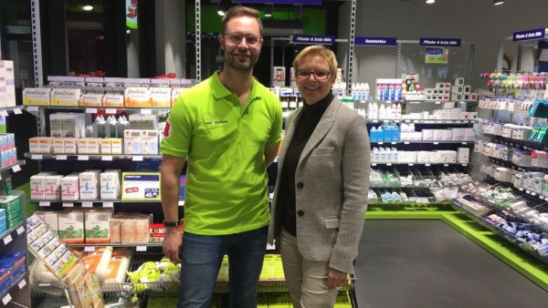 SPD-Abgeordnete Dittmar besucht easy-Apotheke