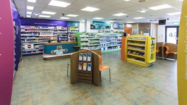 14 Prozent weniger: Auch als Reaktion auf massive Honorarkürzungen verkauft der Mannheimer Pharmahändler Phoenix 70 seiner Standorte in Großbritannien. (c / Foto: Rowlands)