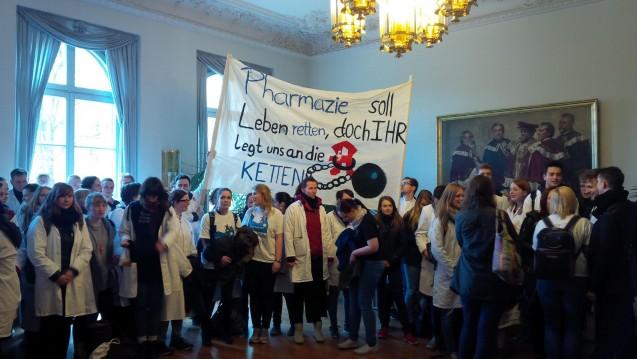 Pharmaziestudenten in Leipzig setzen sich für ihren Studienort ein. (Foto: DPhG)