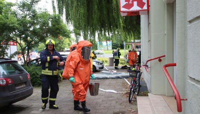Zum Glück war es kein schwerer Ernstfall, die Feuerwehr konnte recht bald Entwarnung geben.(Foto:SVZ/Holger Glaner)