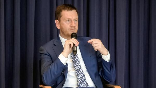 Ministerpräsident Kretschmer kritisiert Test-Vergütung für Apotheken