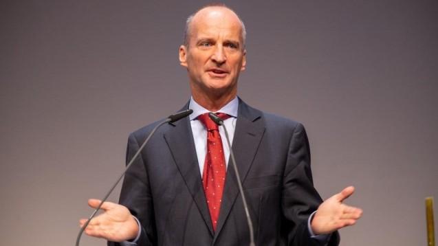 Friedemann Schmidt (hier noch während seiner Amtszeit als ABDA-Präsident) beim Deutschen Apothekertag 2019 in Düsseldorf. (c / Foto: Schelbert)