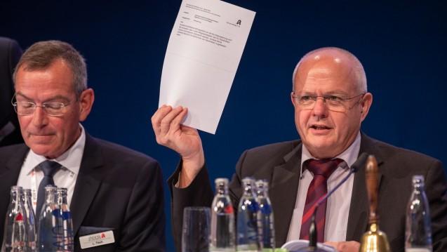 Bei der ABDA-Mitgliederversammlung haben die Vertreter von Kammern und Verbänden am heutigen Donnerstag Teile des Reformplans von Jens Spahn (CDU) abgelehnt und einen Gegenvorschlag formuliert. (c / Foto: Schelbert)