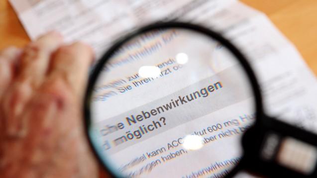 Kleine Schrift: Ein häufiger Kritikpunkt an einer Packungsbeilage. (Foto: picture alliance / dpa Themendienst)