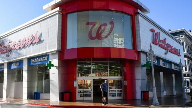 Apotheken- und Supermarktketten wie Walgreens in den USA erlauben keine Schusswaffen mehr in ihren Geschäften. (b/Foto: imago images / Dean pictures)
