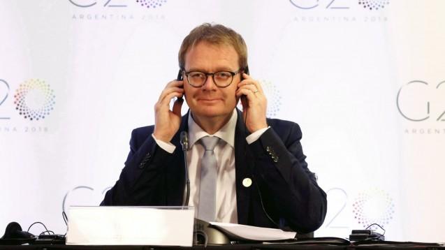 Der BMG-Staatssekretär Thomas Gebhart (CDU) hat sich kürzlich mit mehreren Apothekern aus seinem Wahlkreis in der Südpfalz getroffen. Es ging unter anderem um Apothekenschließungen und das Apotheken-Stärkungsgesetz. (m / Foto: imago images / Agencia Fef)