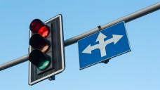 Apotheker als AMNOG-Schranke - oder gleich rotes Licht in der Praxis? Wie werden G-BA-Beschlüsse besser kommuniziert?  (Foto: @andrzej.m/Fotolia)
