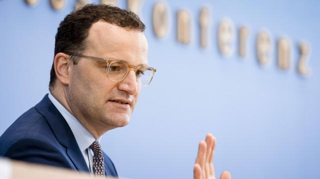 Immer mehr medizinische Fachgesellschaften kritisieren Bundesgesundheitsminister Jens Spahn öffentlich für seinen Umgang mit der STIKO. (Foto: IMAGO / photothek)