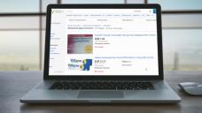 Der Verein Freie Apothekerschaft hat es im Kampf gegen den illegalen Verkauf von Medikamenten im Internet nun in neun Landtage geschafft. (Foto: Konstantin Yuganov / Fotolia   Screenshot: www.ebay.de)