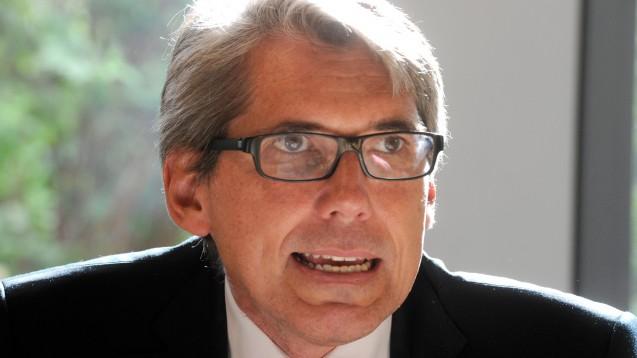 DAK-Chef Andreas Storm war in der CDU/CSU-Bundestagsfraktion für Gesundheit zuständig, als die ganz große Gesundheits-Koalition von SPD, Grünen und Union im Jahr 2004 den Versandhandel mit Arzneimitteln erlaubte. (Foto: dpa)