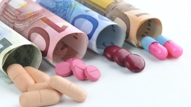 Die TK beschwert sich darüber, dass die Preise neuer Arzneimittel ansteigen, während nur wenige wirkliche Innovationen entstehen. (Foto: avarand/fotolia)
