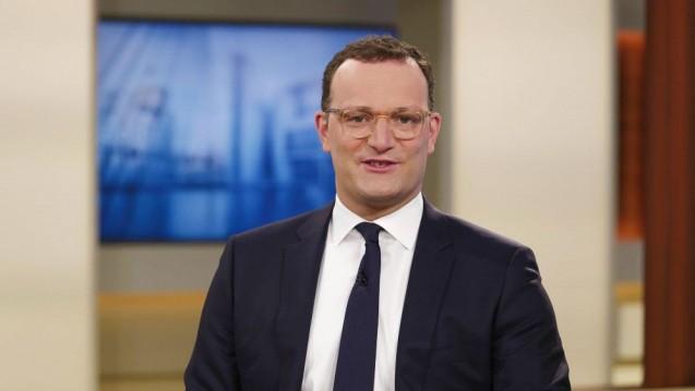 Bundesgesundheitsminister Jens Spahn verteidigt die Bürgertests, kündigt aber mehr Kontrolle und eine geringere Vergütung an. (c / Foto: IMAGO / Jürgen Heinrich)