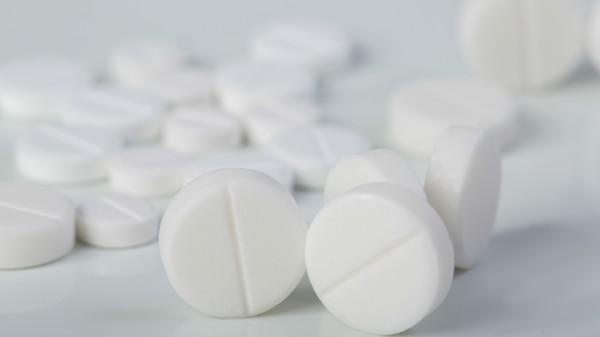 Fusafungin-Sicherheit, Demenzrisiko der Benzos, Paracetamol und Kassenwillkür
