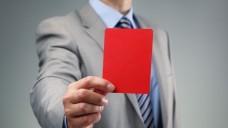 Rote Karte von der EMA: Zahlreiche Zulassungen müssen ab 21. August ruhen. (Foto: Brian Jackson/Fotolia)