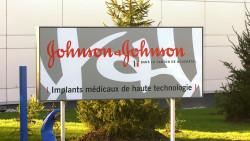 Johnson & Johnson (hier eine Niederlassung in der Schweiz) kann sich über gute Zahlen freuen. (Foto: picture alliance / keystone)