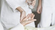 In England sollen Apotheker künftig die Arzneimittelversorgung in Pflegeheimen optimieren. (Foto: Imago)
