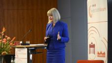 Claudia Korf (hier beimWirtschaftsforum 2017) stellte auch in diesem Jahr die Wirtschaftszahlen der Apotheken vor. (Foto: Külker)