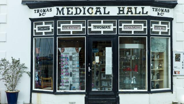 Mehr Aufgaben für Apotheker: In Schottland sollen Apotheker mehr ärztliche Kompetenzen bekommen und beispielsweise Antibiotika verordnen dürfen. (Foto: dpa)