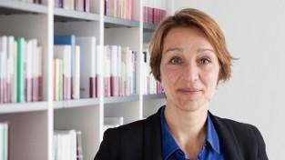 Nicola Kuhrt (nik)