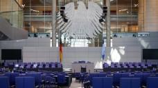 Nur zwei Handlungsoptionen: Aus Sicht der Bundestagsverwaltung gibt es nach dem EuGH-Urteil nur zwei Optionen: Entweder der Rx-Versand oder die Preisbindung kippt. (Foto: dpa)